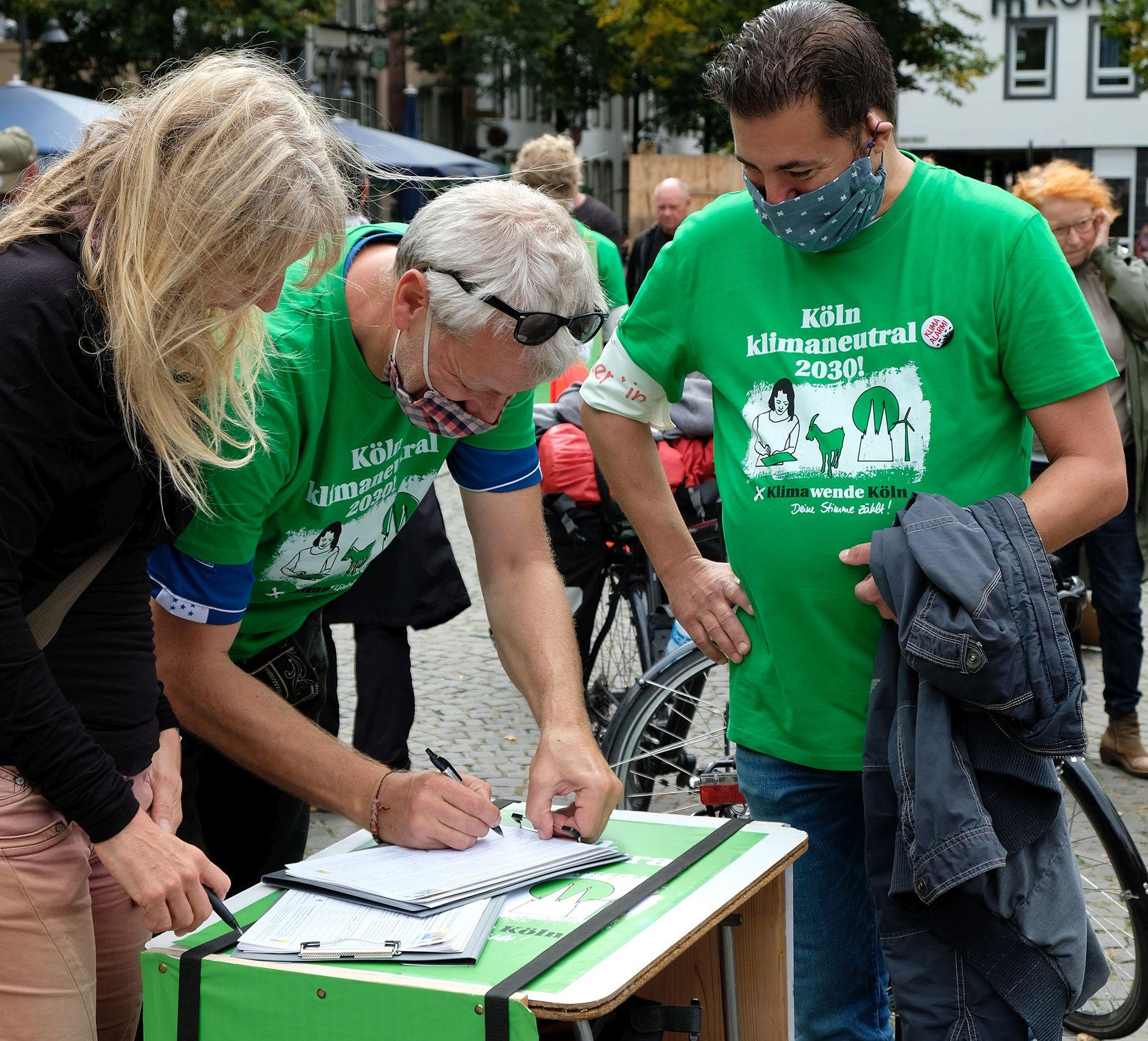 unterschreiben fürs Bürgerbegehren